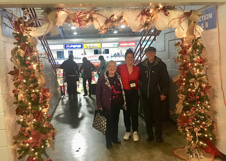 2019 Christmas At The Glacier 001